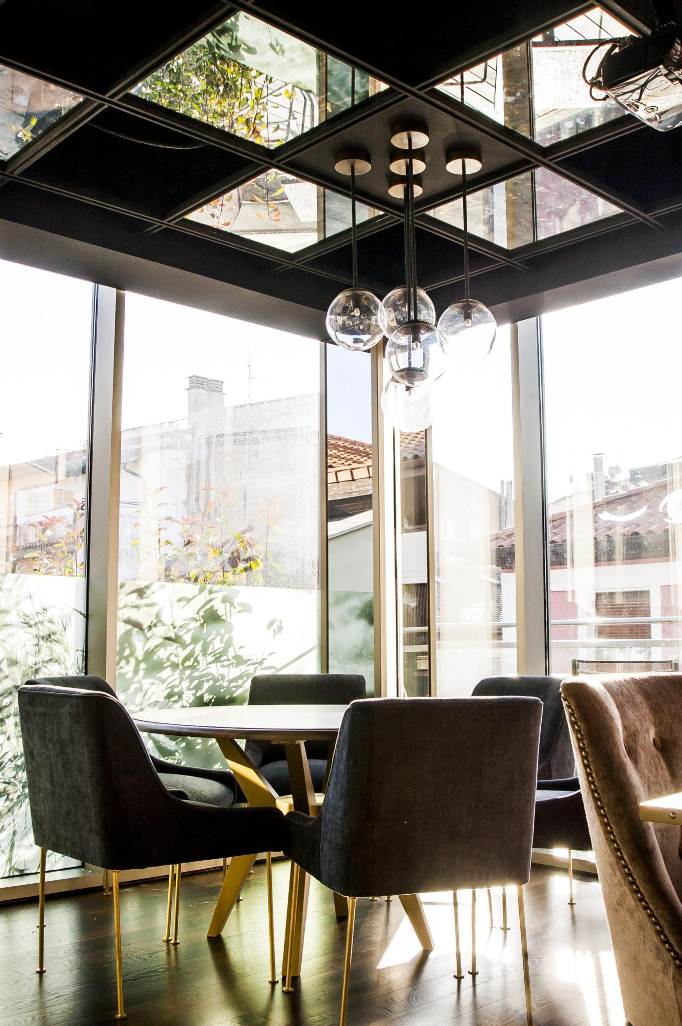 Reflejos en El Buho Restaurante Sky Bar en Pamplona
